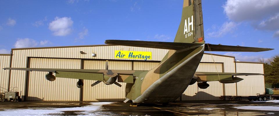 C123K-Hangar